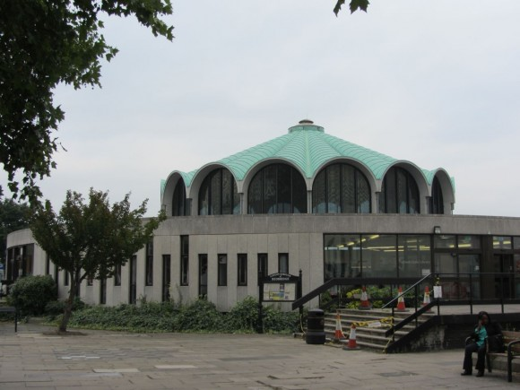 Fullwell Cross Library Barkingside