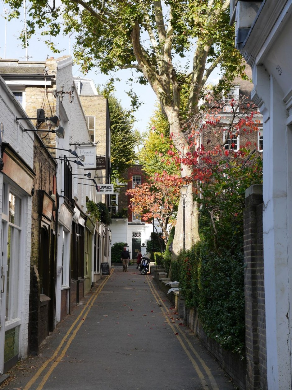 Kensington Church Walk