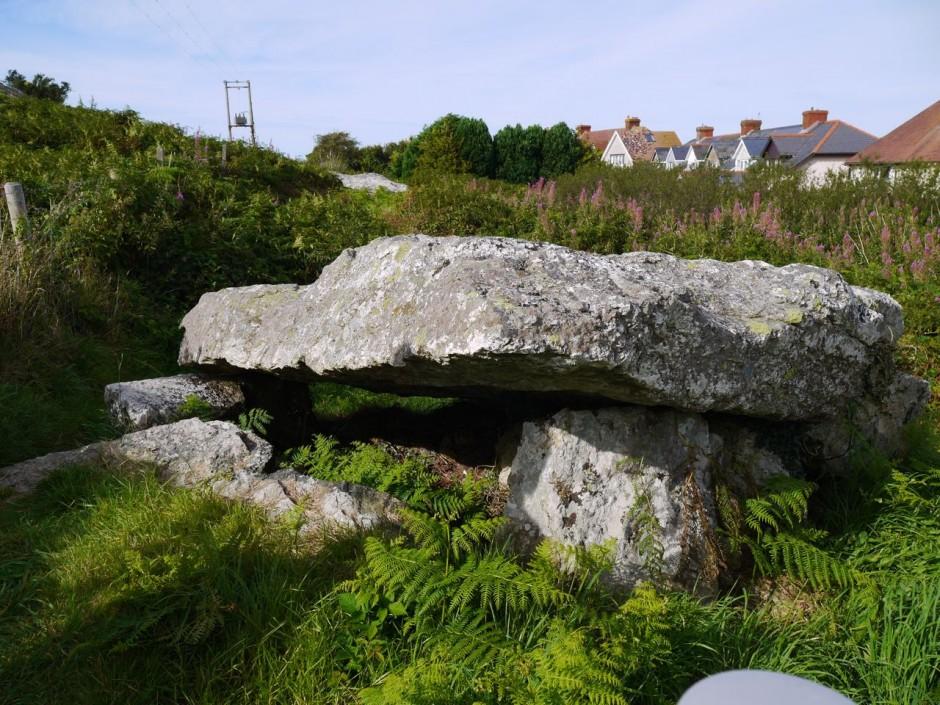 Garn Wen burial chamber